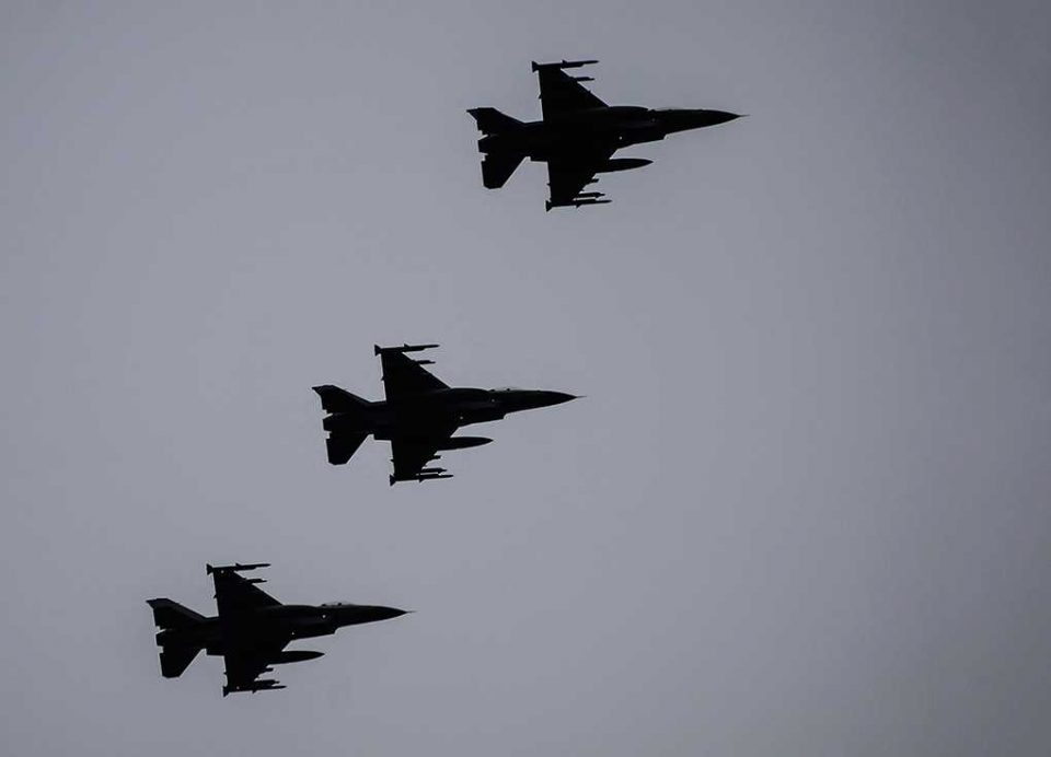 F-16 formationsflyvning Arkivfoto: René Holm