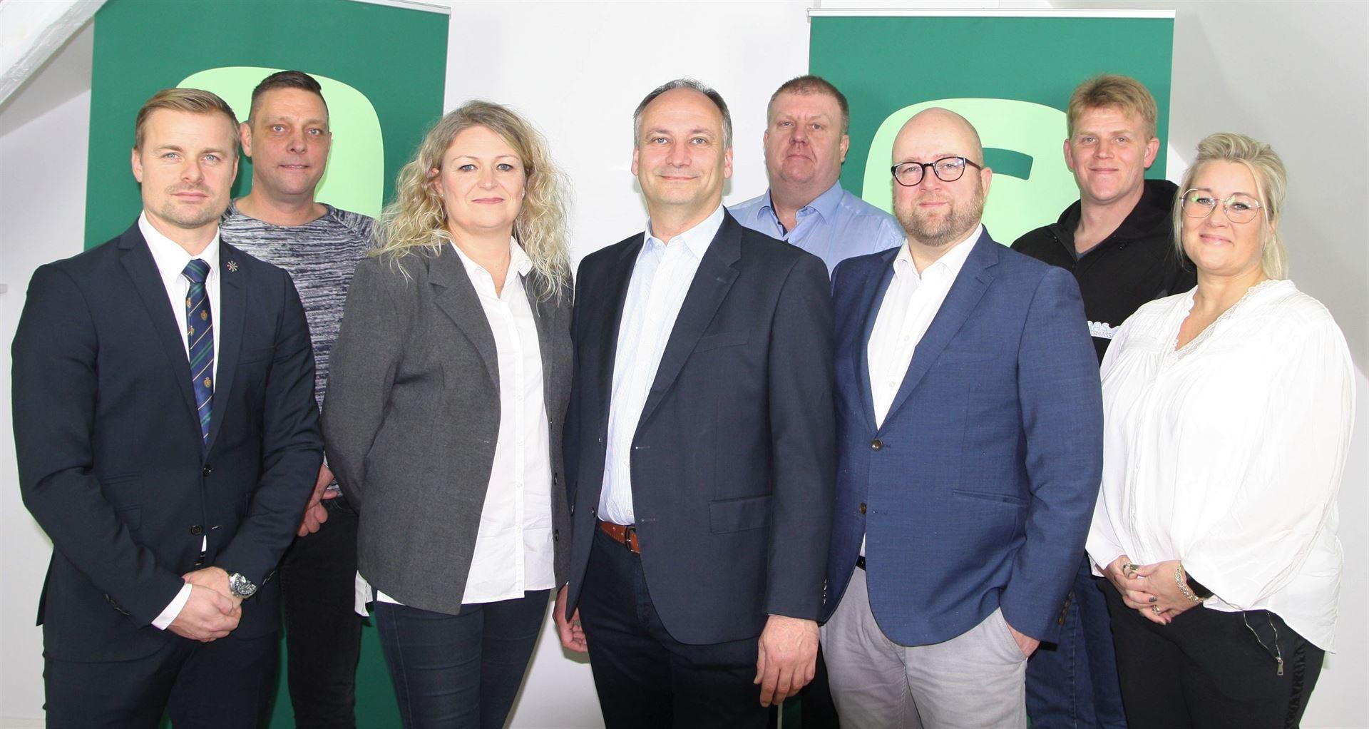bagerst fra venstre: Henrik Mielke Ravn, Jens Asmussen, Kenneth Haas - Forrest fra venstre: Martin Karas Christiansen, Jannie Westergaard, Kjeld Thrane, Kim Koch, Tina Rosenkilde Foto: Pressefoto