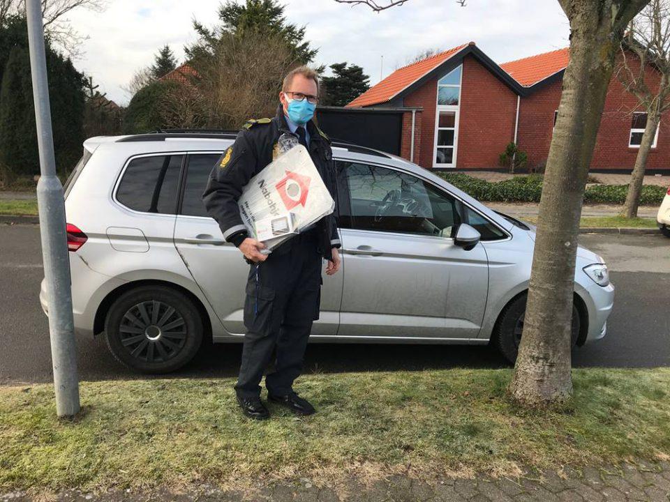 Politiet uddeler Nabohjælpsskilte og fakekameraer Foto: Pressefoto